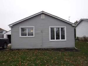 2 bedroom furnished  bungalow  rental, Brights Grove, On