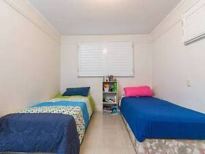 SHARE ROOM IN SPRING HILL $135 Spring Hill Brisbane North East Preview
