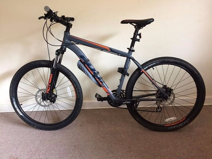 Fuji Nevada 27.5 1.7 2016 Mountain Bike + accessories
