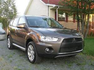 2010 Mitsubishi Outlander XLS, All Wheel Drive