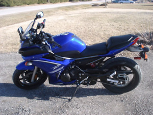 Yamaha FZ6R with lots of extras