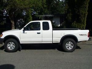 2000 Toyota Tacoma Pickup Truck