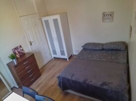 DOUBLE BEDROOM IN BEST AREA!!! ILFORD!! LOW PRICE FOR YOU!!
