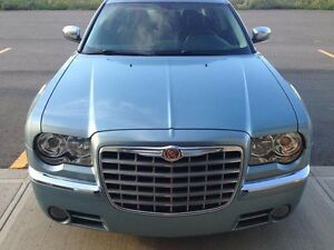 300C All Wheel Drive V8 only 80,000ks