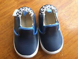 Robeez shoes Size 9-12 Months