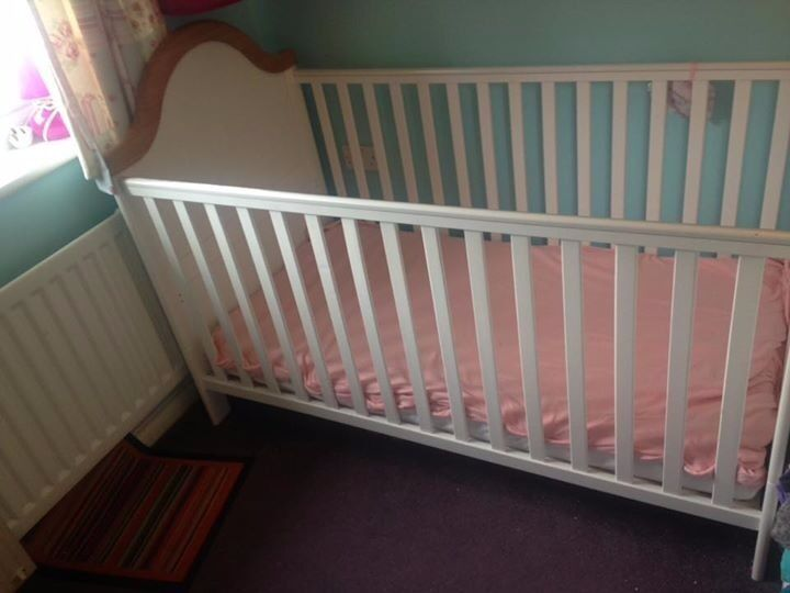 2 x cot beds for £100