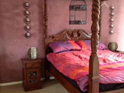 Four poster solid mahogany bed, excellent condition Miami Gold Coast South Preview