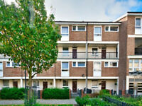 Large 4/5 bed Maisonette Flat with Private Garden - Poplar, E14