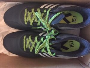 Womens indoor/turf soccer shoes