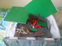APPROX 4KG ORIGINAL LEGO WITH BASE BOARD
