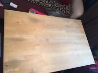 Dinning table in very good condition