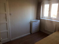 DALSTON JUCTION SINGLE AND DOUBLE ROOMS 2 WEEKS DEPOSIT