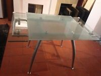 Designer Heavy glass & chrome legs Extendable dining table very clean nice smart delvier