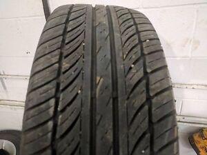 215/60R15 (2 pneus seulement)