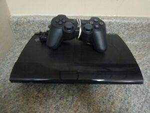 PLAYSTATION 3 SUPER SLIM 500G LIKE NEW WITH CONTROLLER AND GAMES