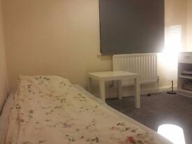 CLEAN & SPACIOUS SINGLE ROOM TO RENT