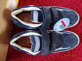 Size 6 Timberland shoes - NEW