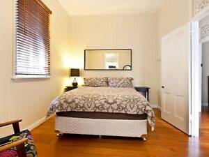 ROOM FOR RENT IN NORMAN PARK $260 included double bed and internet Norman Park Brisbane South East Preview