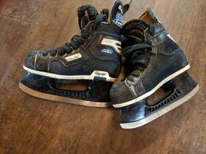 Bauer size 1 skates