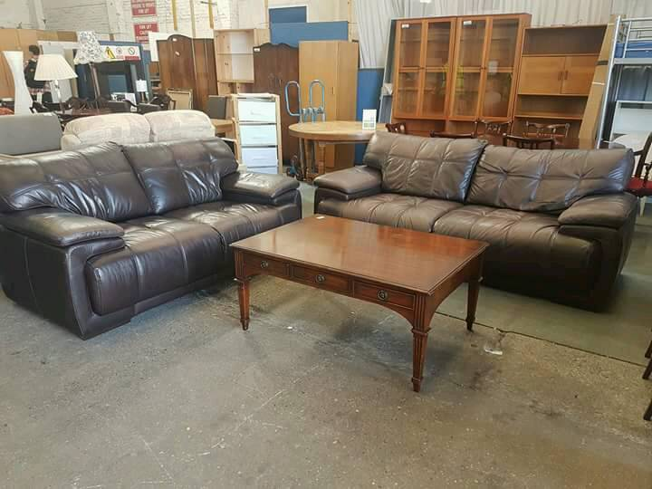 Large brown leather 3 seater & 2 seater sofa set