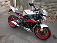 Triumph Street Triple RX 675cc - Immaculate with lots of extras