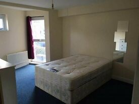 ==SPACIOUS DOUBLE ROOMS IN QUEENS PARK/ KILBURN==
