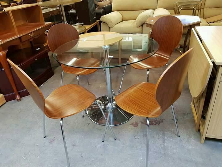 Round Glass Dining Table With Four Chairs Newcastle Tyne