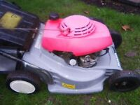 HONDA HRB 423 SELF PROPELLED PETROL LAWNMOWER.
