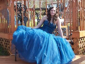 Beautiful midnight blue prom dress - perfect condition