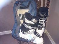 Salomon ski boots good cond size