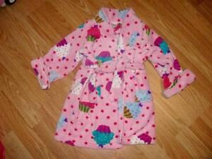 Childrens Place size 2-3 housecoat very soft
