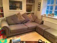 Beautiful Sofa in perfect condition with 2 storage pouffs