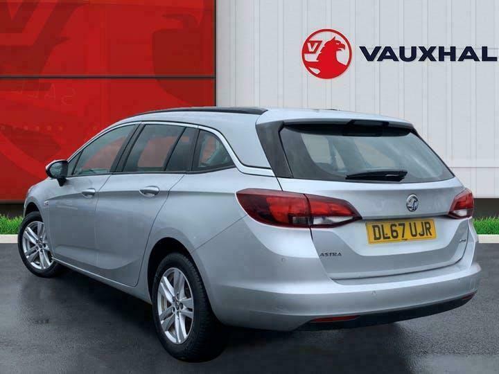 2017 Vauxhall Astra 1.6 Cdti Blueinjection Tech Line Nav Sports Tourer 5dr Diese