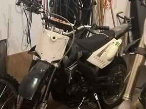 Barely used 250cc 4-stroke dirt bike