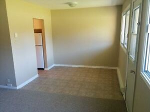 2 bedroom apartment on Torbay Road $849 per month!