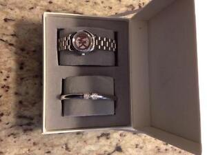 BRAND NEW MICHAEL KORS WATCH AND BRACELET
