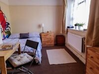 East Finchley 1 Double Room Just Got Available ! 130 p/w