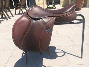 "Bates Elevation Jump Saddle 17"" Brown Arcadia Hornsby Area Preview"