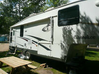 For Sale 2004 Cherokee Fifth Wheel