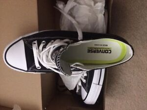 Brand New Never Worn Converse Cons
