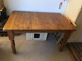 DIning oak table , extendible