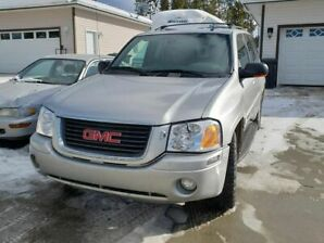 GMC Envoy SLT XL 4x4 4wd Silver in excellent condition
