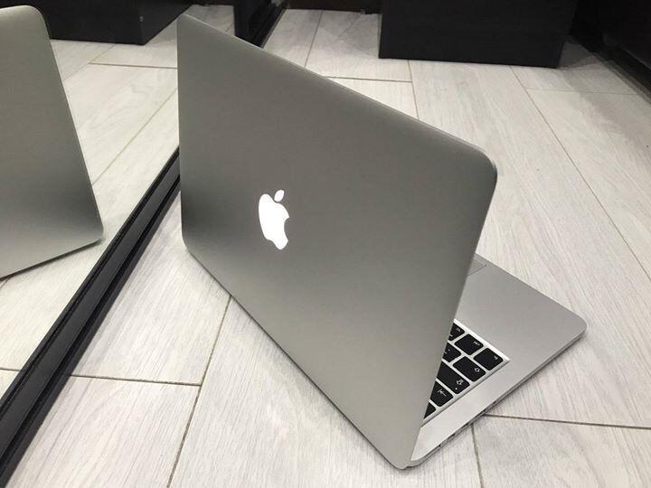 Apple Macbook Pro 13'', 500GB Hard drive, 8GB RAM, Microsoft office 2016. Warranty. Free delivery