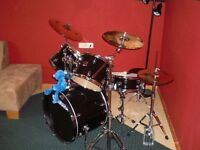 5 piece Gigmaker Yamaha Drum Set