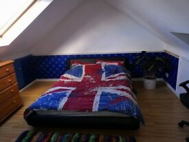Large double room with own TV, WiFi and own lavatory. Lovely quite house. Mon-Friday