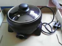 Small electric crock pot