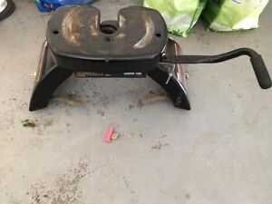 5th Wheel Hitch (REDUCED PRICE)