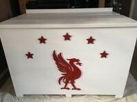 Liverpool blanket / toy box