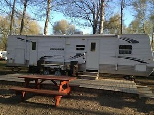 2009 conquest tbr32 travel trailer.