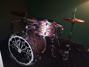 Custom   Wrapped     Psych   Drum   Set